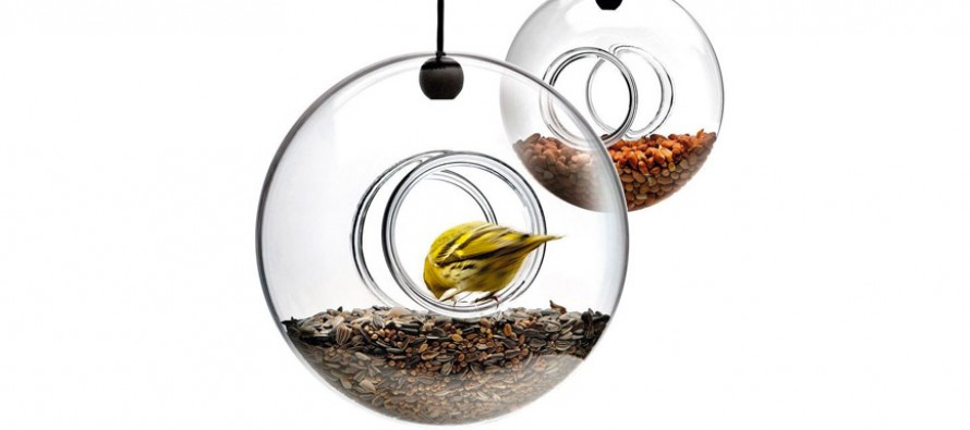 Sélection Noël : des mangeoires déco pour les petits oiseaux