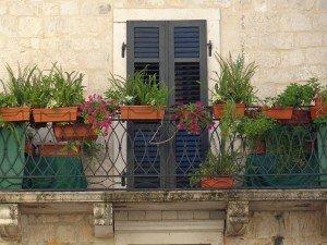balcony-778544_1280