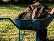 Cheminées, poêles à bois ou granulés : les accessoires malins